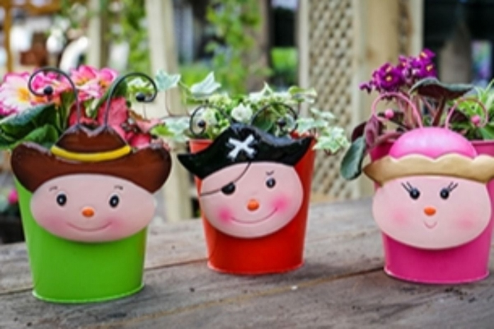 Create Grow Easter Holidays -